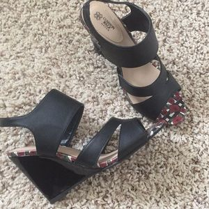 Cute high heel cushion wedge sandals